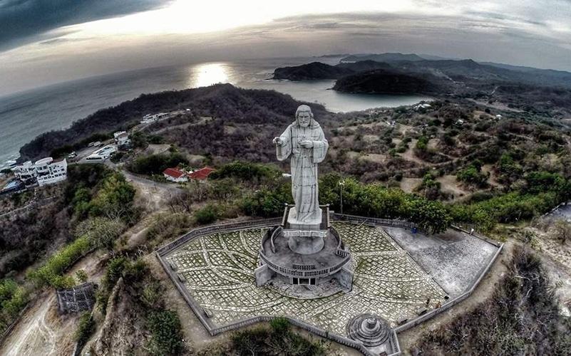 christ of mercy statue san juan del sur nicaragua